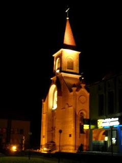 на фото: нічний Олевськ