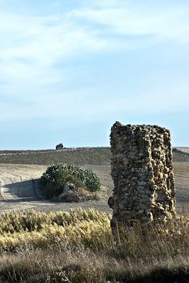 Pilar de las arcadas del acueducto en Los Arquillos