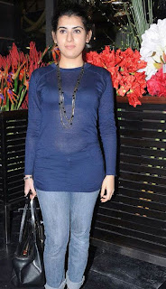 Archana Veda in a Spicy transparent Blue Top at an Event