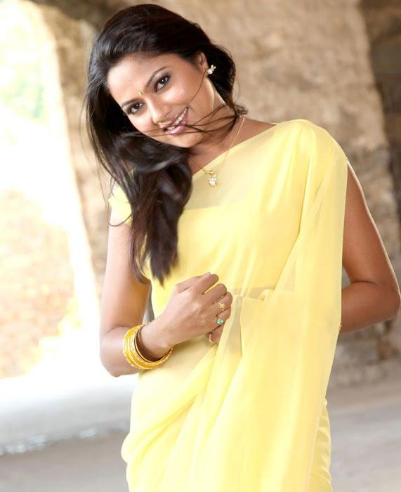 suhasini mouna ragam heroine in saree hot images