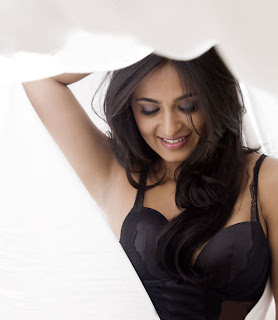 tollywood news  Anushka+Hot+Photo+Shoot+8 Latest Exclusive Anushka  Hot Photo Shoot