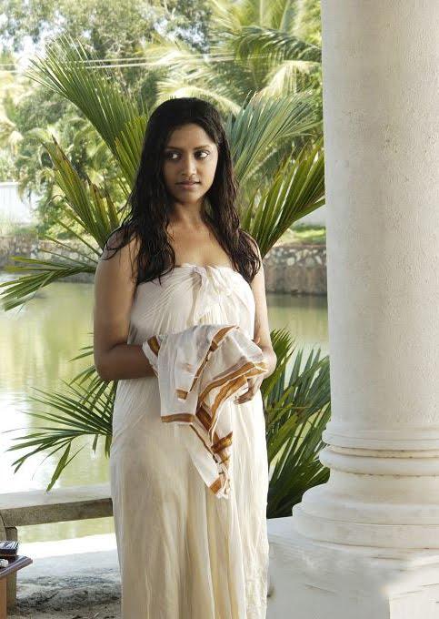 mamta mohandas malayalam movie sensious latest photos