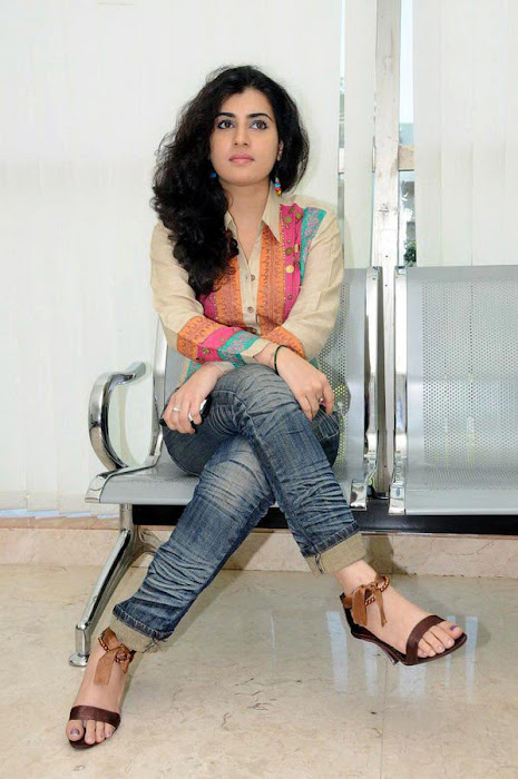 archana poses hot photoshoot