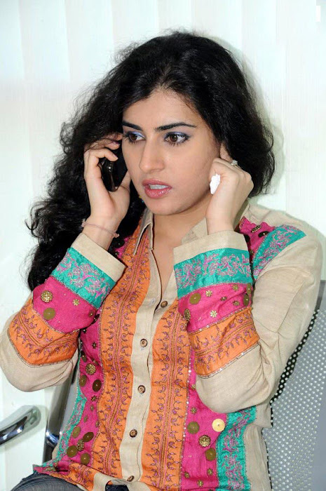 archana poses glamour  images