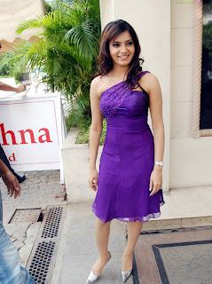 Samantha in purple sleeveless Mini Gown at Filmfare Awards