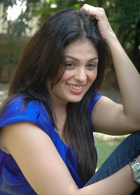 don seenu second heroine Anjana Sukhani latest stills gallery at don seenu success meet hot images