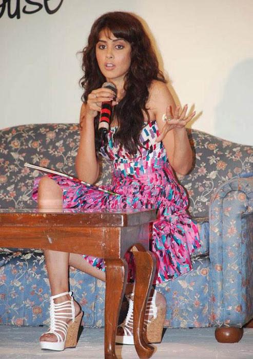 bubbly genelia at ebay promotion actress pics