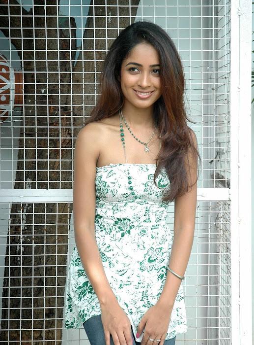 athithi thakita thakita acctress shoot unseen pics