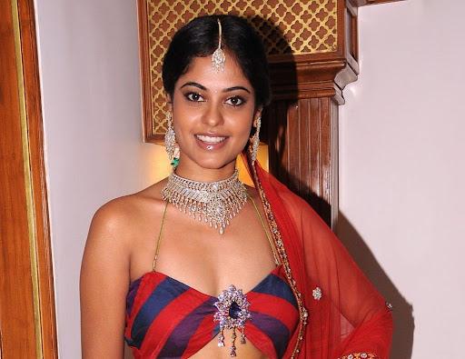 Bindu Madhavi Photos in Cute Dress