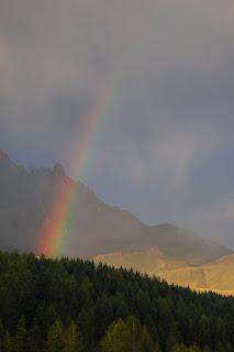 foto montagna arcobaleno