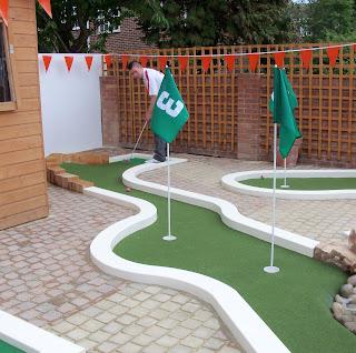 Mini Golf in East Finchley, London