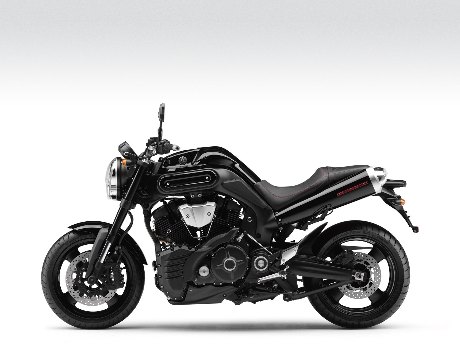 2009 YAMAHA MT01 pictures  review and specifications