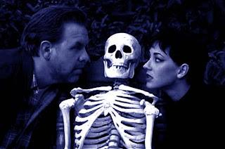 http://2.bp.blogspot.com/_ja0u9vcxkW0/R5mAAwO7xiI/AAAAAAAADl4/T1Z1J9lNAXY/s320/lost+skeleton2.jpg