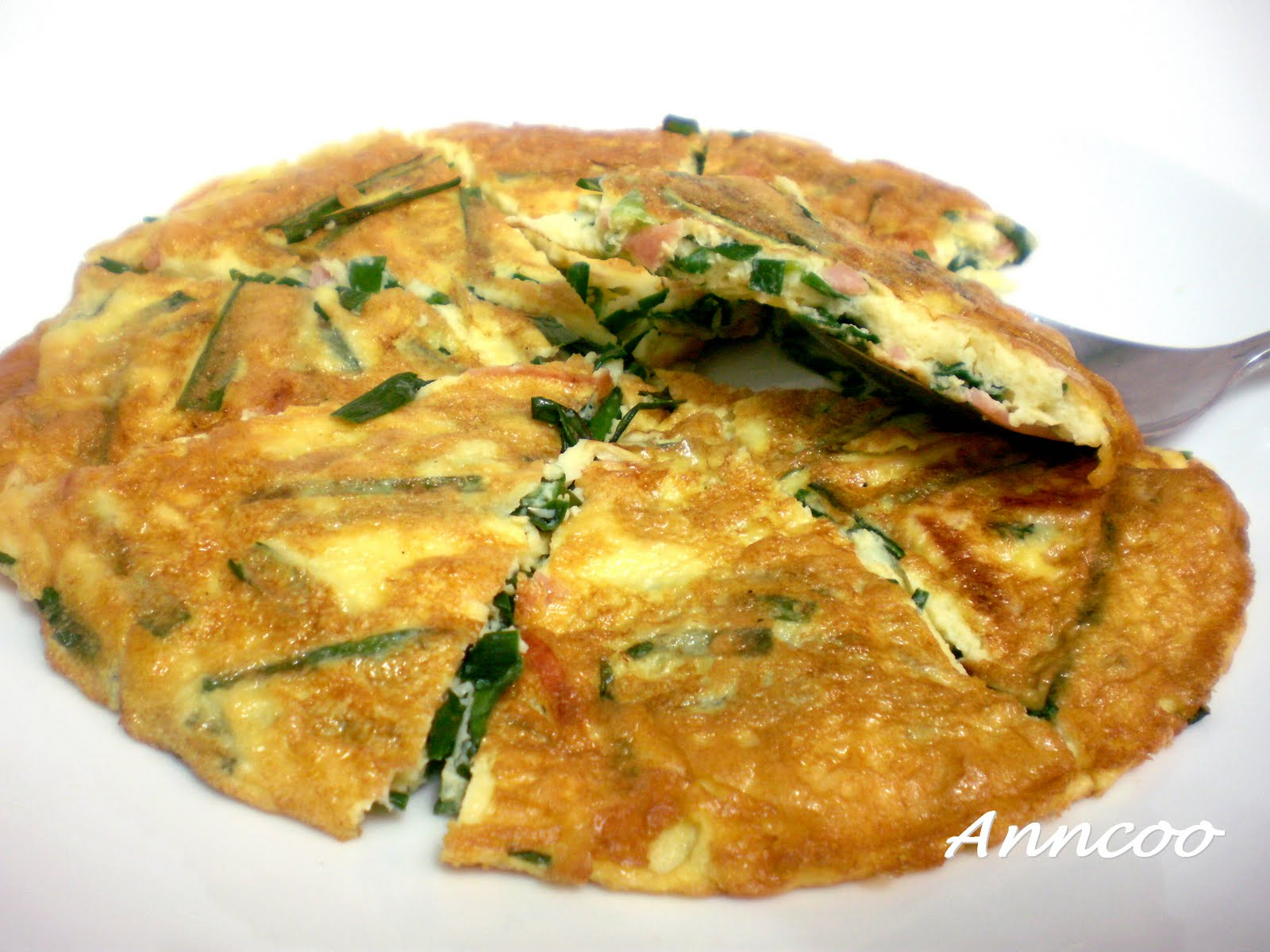 Omelette with Chives & Ham 韭菜火腿蛋 - Anncoo Journal