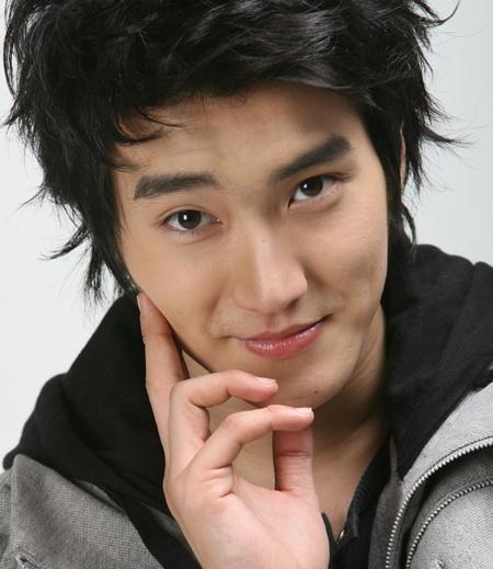 Choi_Si_Won_18112009062108.jpg