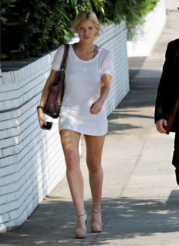 Sophie Monk Long Leg