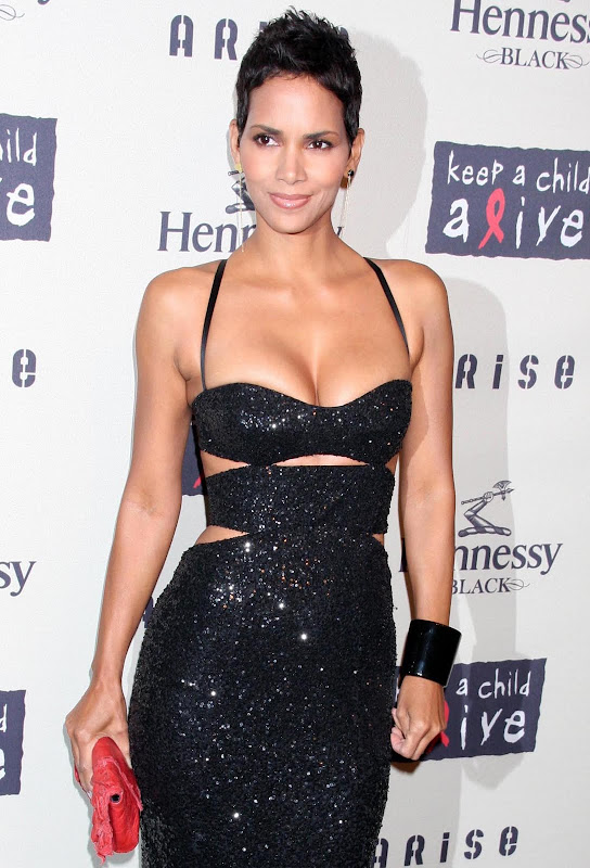 Halle Berry  A Little Kids Haircut,