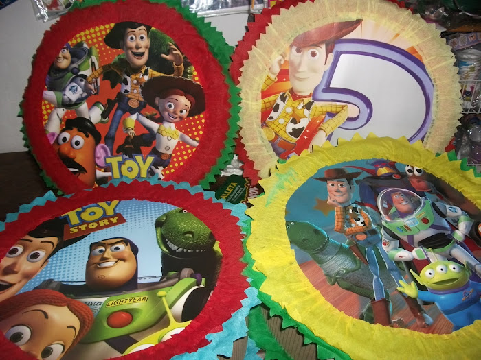 piata circular toy story