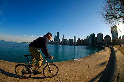 Image of Chicago bicyclist along Lake Michigan