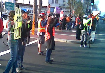 Image of protest by bicyclists at Market and Octavia in San Francisco on January 26 2007