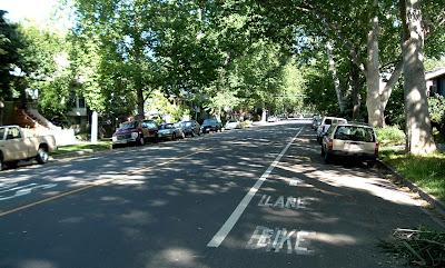 Image of shaded bike lane on Sacramento's E Street