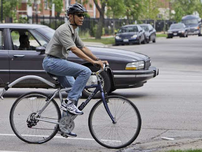 Image of bicyclist Barack Obama