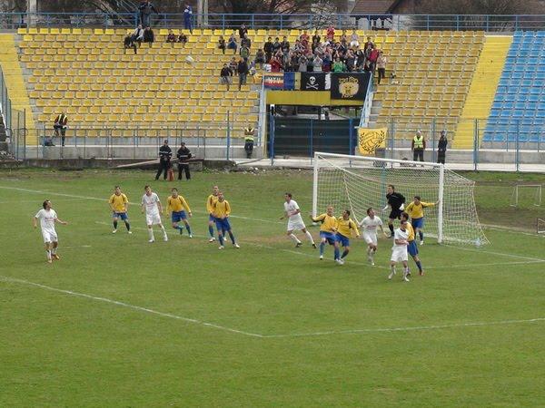 F.C. BAIA MARE Fotbal_fc_-_deva_r