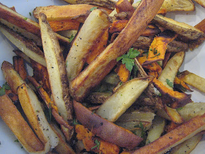APPLE A DAY: Garlic Oven Fries