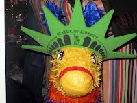 Llama piñata