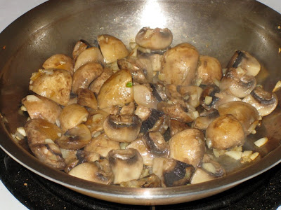 Sauté mushrooms & garlic