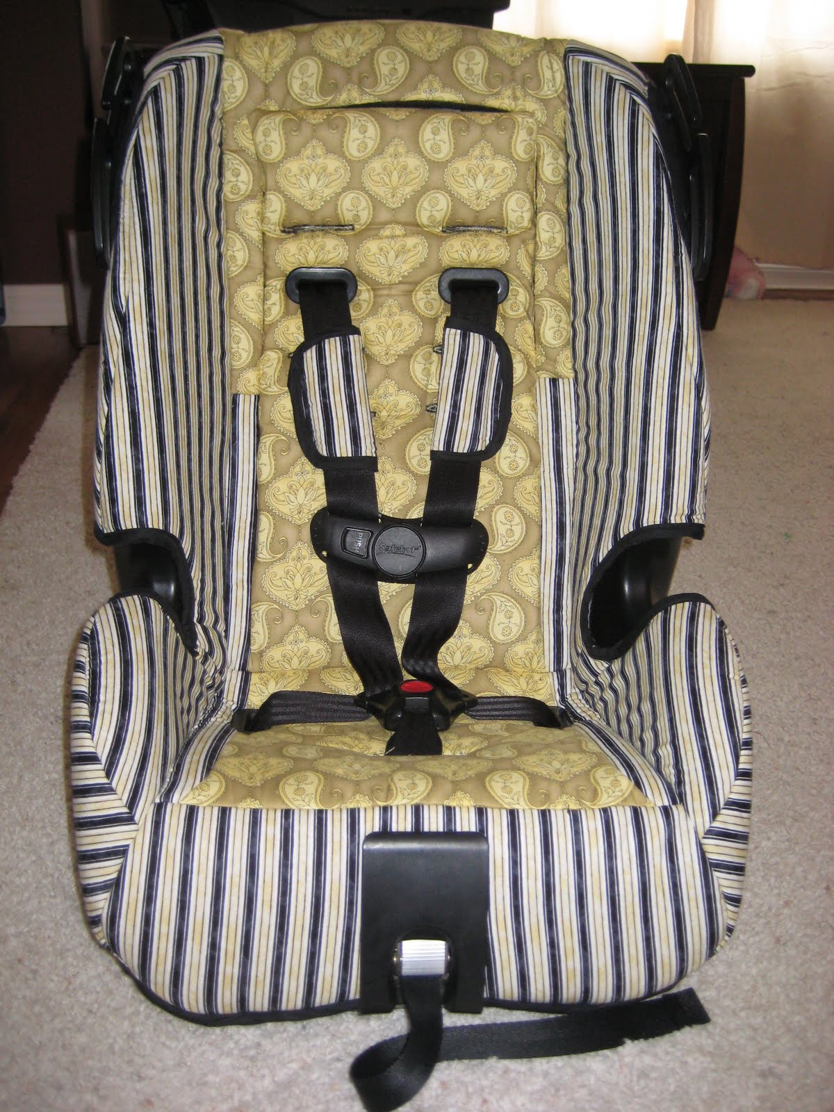 laura thoughts car seat re cover 2. Black Bedroom Furniture Sets. Home Design Ideas