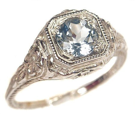 Antique Silver Engagement Rings: Some Aspects to Choose Them Rightly
