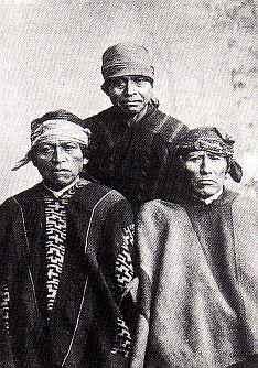 Retrato de 3 Caciques  Gustavo Milet Ramirez  Traiguén Chile 1890