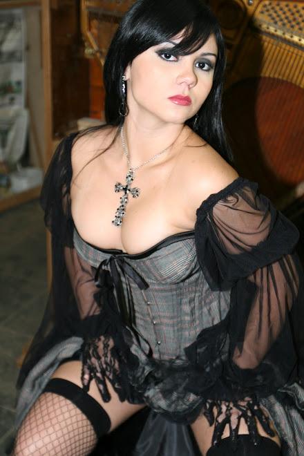 The Gothic Girl I