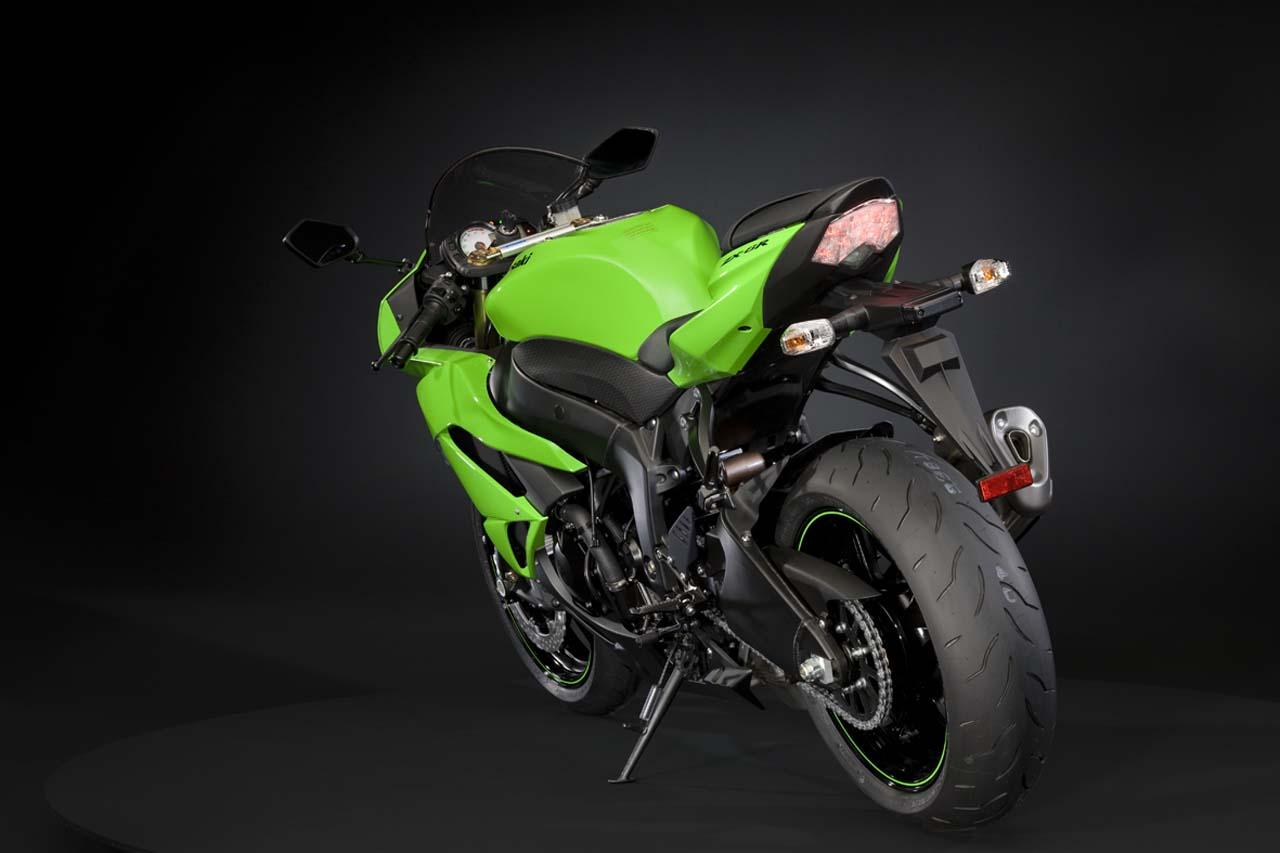 http://2.bp.blogspot.com/_jhf-7wU76qc/TEWpUleMn5I/AAAAAAAAA5s/uZKXV3dzC0s/s1600/Kawasaki+Ninja+ZX-10R+3.jpg