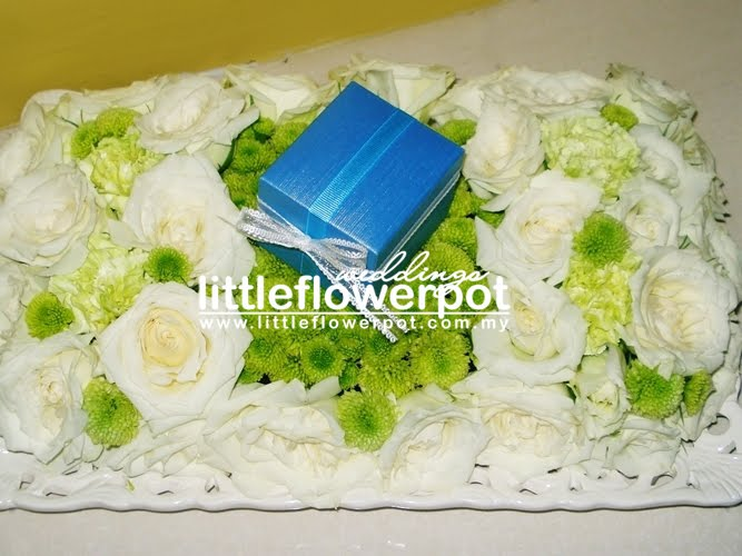 wedding centerpieces made of fresh flowers