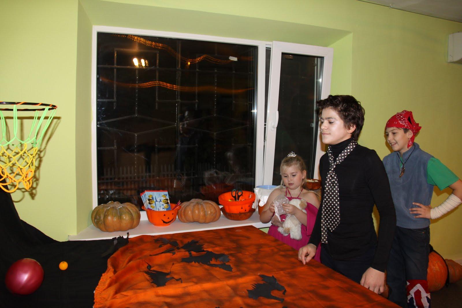 Teen Halloween Party   Cross Culture Ukraine