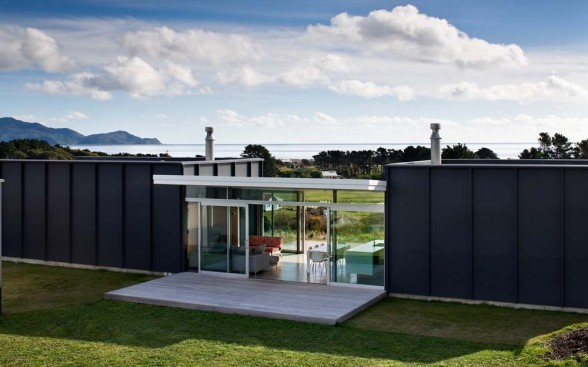 modern minimalist design house located in pekapeka beach new zealand this house was designed by parsonson architects this house has 156 square meters of - Minimalistic House Design