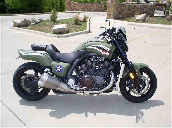 motorcycle modifications: Custom Yamaha VMAX