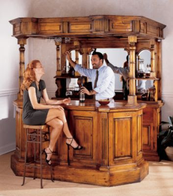 Home bar design ideas seem classic and imposing for Small bars for home designs