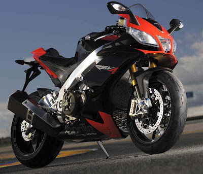 Aprilia RSV4 R Specifications and Reviews