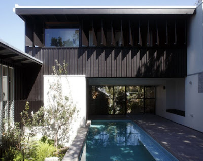 Minimalist house design level two in australia yummy raw for Minimalist beach house