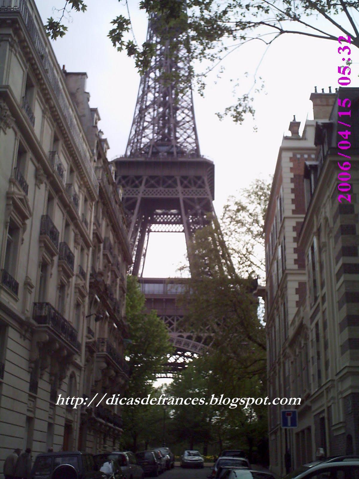 http://2.bp.blogspot.com/_jiWMIBWn_og/TIQyZhuFQqI/AAAAAAAAC4c/hIK_ISKdqks/s1600/tour+eiffel2.jpg