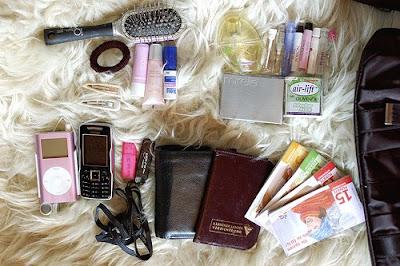 content of a handbag