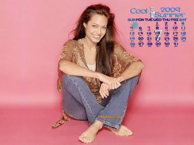 Angelina Jolie wallpapers 7 calendar 2009