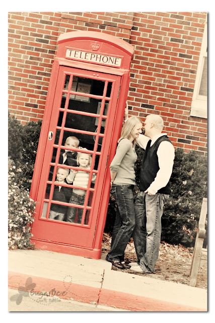telephone booth family picture photo idea
