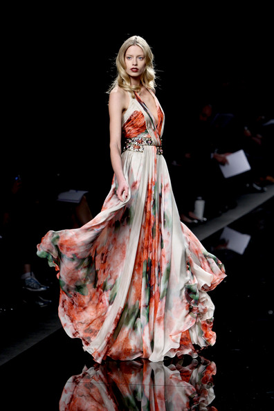 [Zuhair+Murad+Milan+Fashion+Week+Womenswear+iVBZGy8GLXdl.jpg]