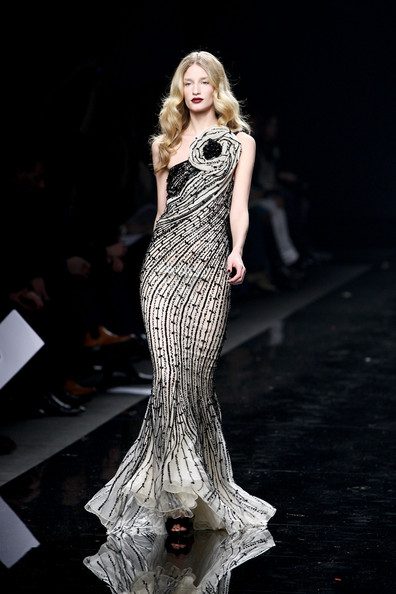 [Zuhair+Murad+Milan+Fashion+Week+Womenswear+ONup8_PA2gLl.jpg]