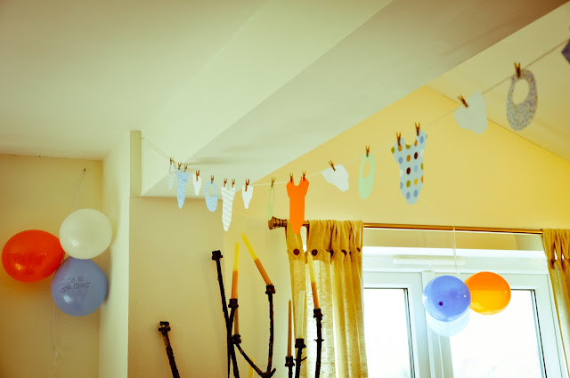 Pippa 39 s long stockings baby shower decorations for Baby shower decoration ideas for a boy baby