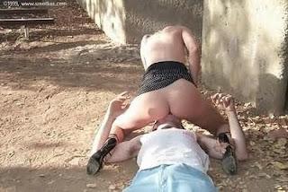 murdering-a-man-murderess-assassinette-assassin-female-assassin-killing-a-man-femme-fatale